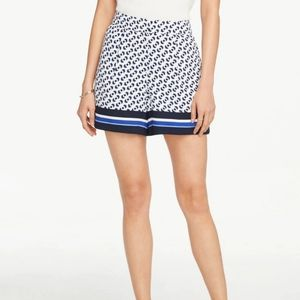 Ann Taylor The Drapey Short in Border Geo